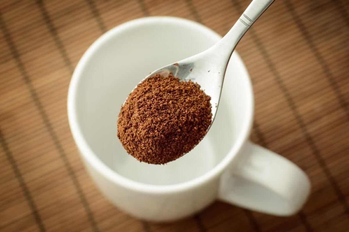 amount of caffeine in an instant coffee
